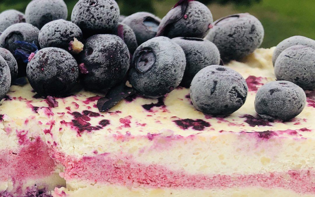 berry white choclate layer cheesecake
